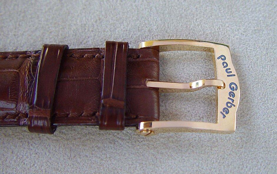 Modell 33 | Schliesse 18 Kt. Gold mit emailiertem logo