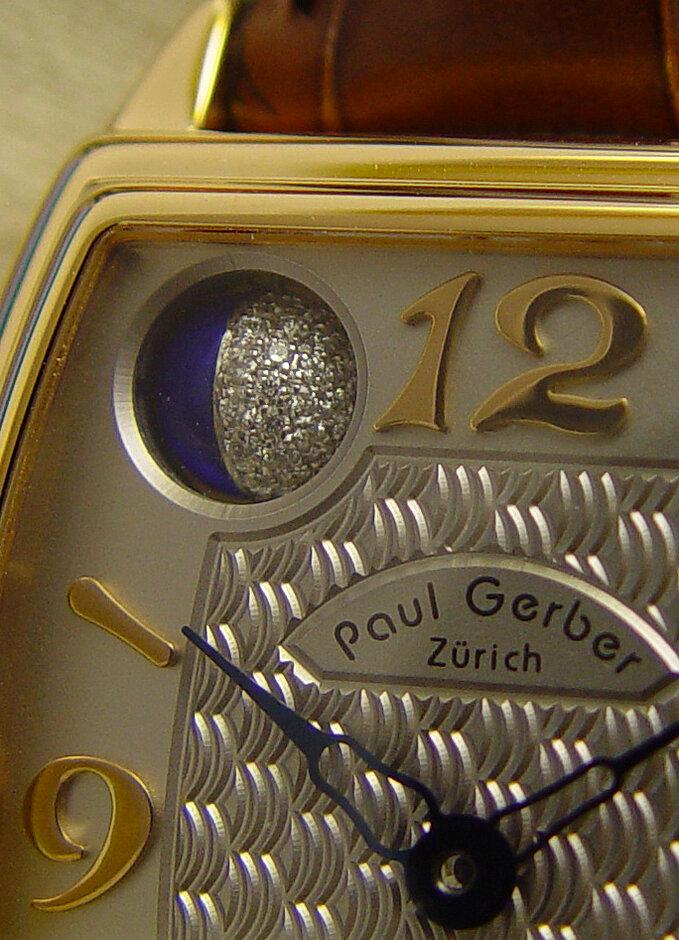 Modell 33 | Zifferblatt guillochiert mit aufgesetzen Goldzahlen 18Kt.
