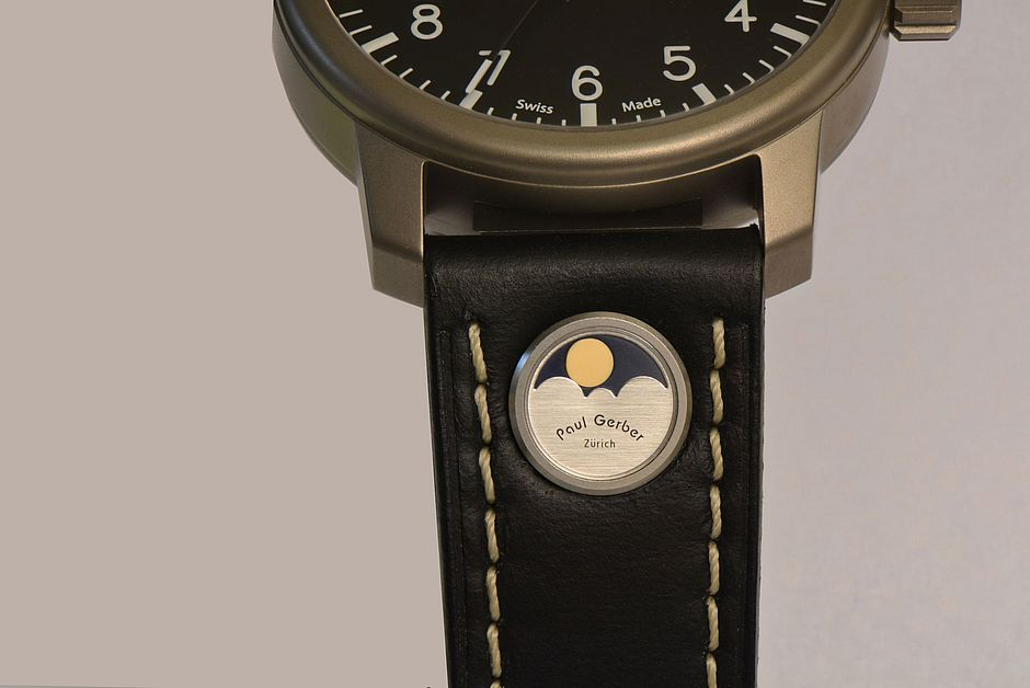 Modell EPR 52 Mondphase I integriert im Uhrband
